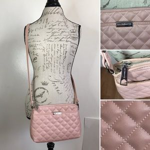 NWOT ✨ Crossbody Front Pocket QUILTED ROSE Purse